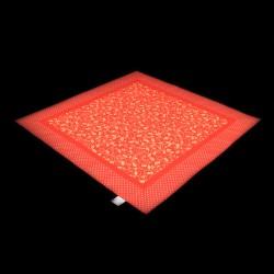 Mozaika s cesmínou na červeném podkladu